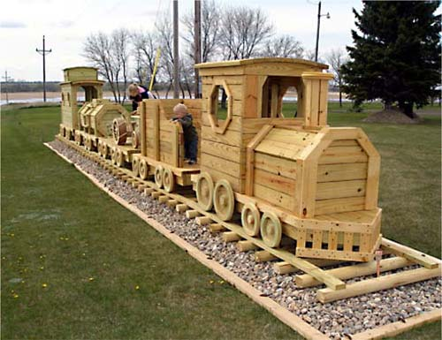 Wooden Toy Train Patterns : Woodwork projects wood train plan pdf plans
